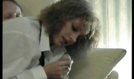 Perra joven depravada acordó chupar públicamente una polla de recogida videos caseros maduras