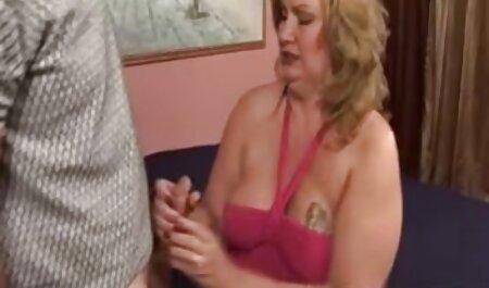 Jenny ama videos pornos de maduras a Jenna y sabe cómo complacerla ;-)