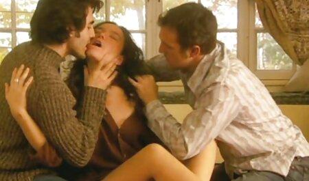 La escena de celos videos xxx con maduras violentos entre hermosas lesbianas se convirtió en sexo lésbico igualmente caliente con oral y paja.