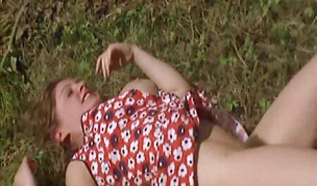 Modelo porno abrió caseros de maduras los brazos a un blanco
