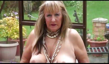 Enfermeras lesbianas maduras gratis desnudas con el doctor