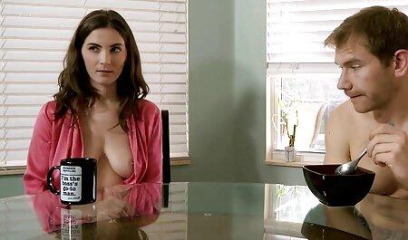 Estrellas porno famosas maduritas hd y en casa les encanta tener sexo en un ambiente acogedor.