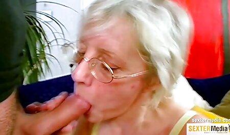 Mulata latina sensual tiene una maduras brazzers polla en su culo apretado