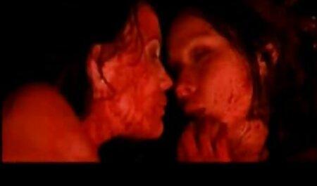 Joven seductora de casadas maduras infieles ébano folla con un blanco